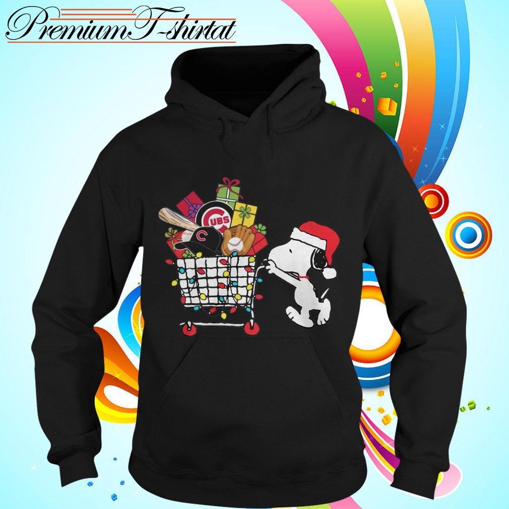 Chicago Cubs Snoopy Pushing cart full of Christmas gifts shirt