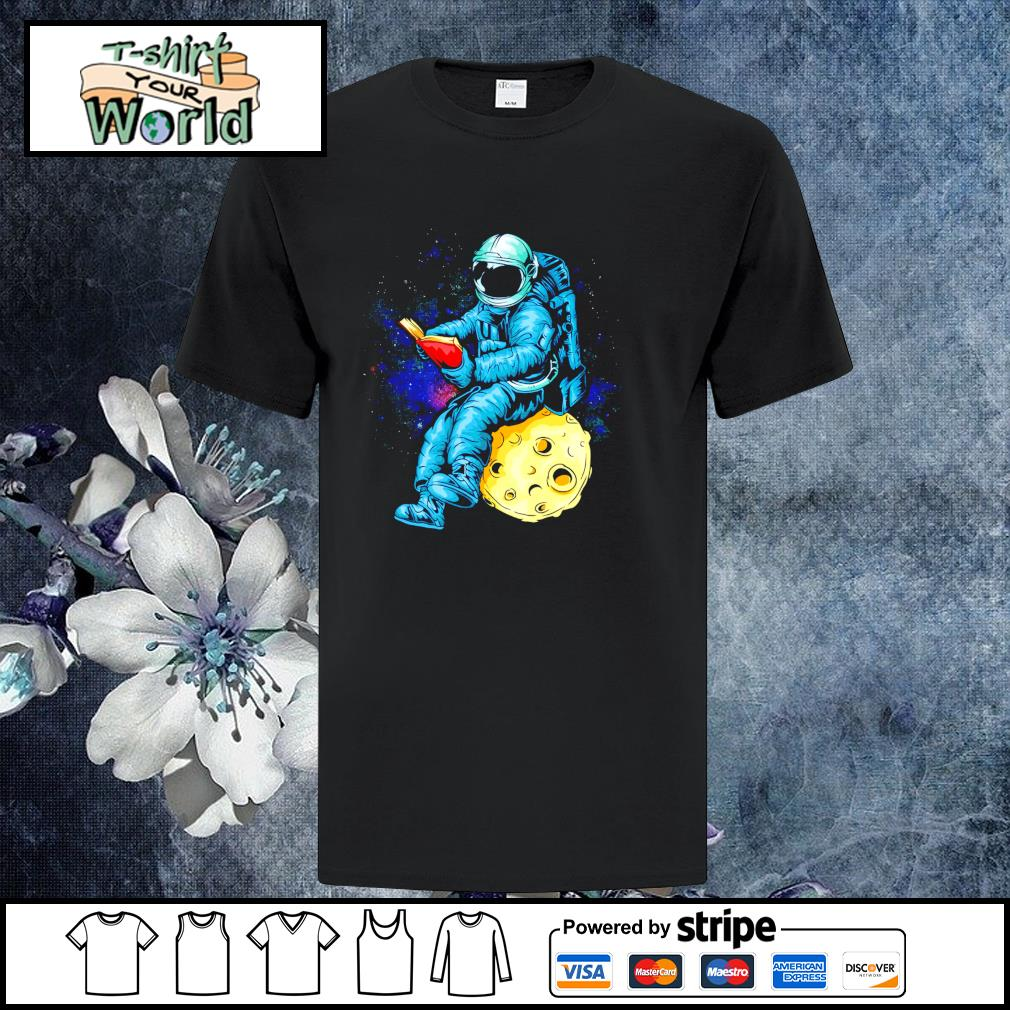 Astronaut reading book in the moon space shirt